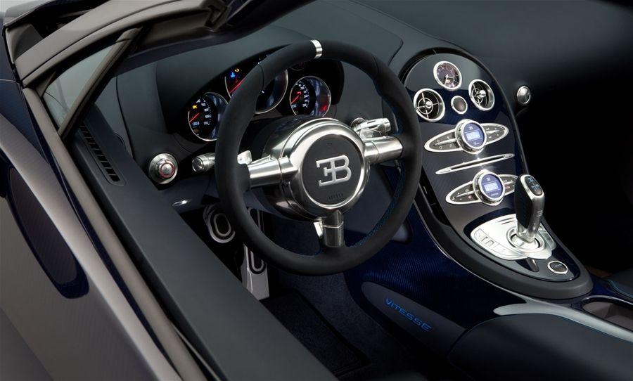 floyd mayweather khoe x sang bugatti veyron grand sport vitesse 3 5 tri u usd tr n instagram. Black Bedroom Furniture Sets. Home Design Ideas