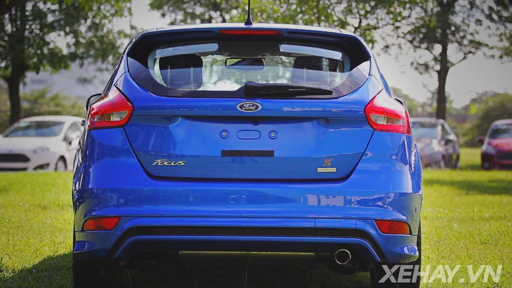 Nhan dinh pho bien ve xe Ford Focus 2015 15 EcoBoost moi manh bao hon ha tan ha tien hon