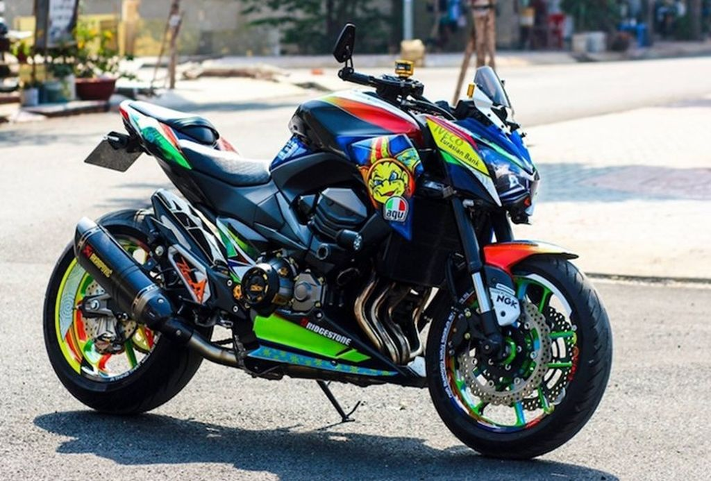 """Kawasaki Z800 """"đa sắc màu"""" với phong cách Rossi 46 của"""