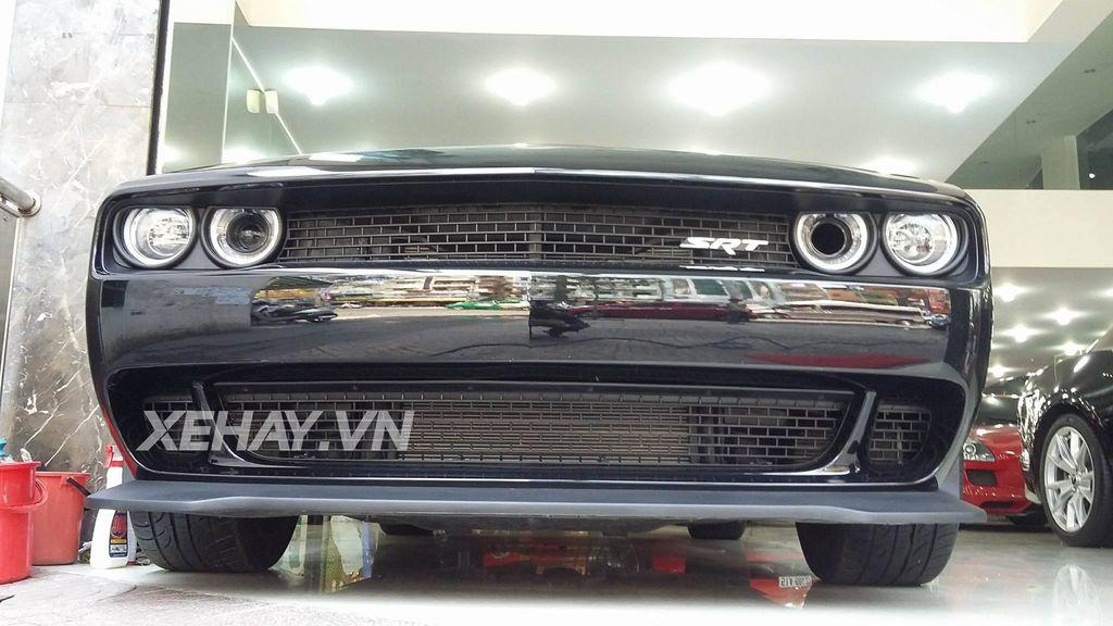 """""""Siêu cơ bắp"""" Dodge Challenger SRT Hellcat 2015 đầu tiên tại Việt Nam có giá lên tới hơn 6 tỷ đồng"""
