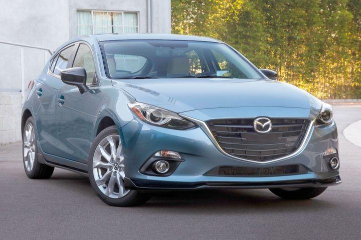 Mazda 3 mau xe vua tiet kiem nhien lieu vua sang trong tai Binh Duong