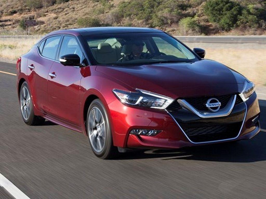 Nissan Maxima 2017 giá tăng nhẹ, với nhiều phiên bản tùy chọn