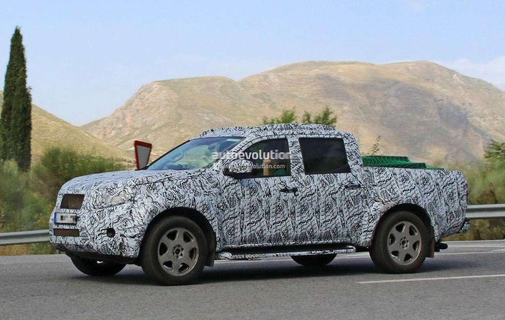 [VIDEO] Xe bán tải Mercedes GLT 2018 tiệm cận sản xuất hàng loạt - ảnh 15