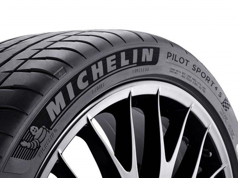 Lốp Michelin Pilot Sport 4 S - sự lựa chọn hoàn hảo cho xe hiệu suất cao