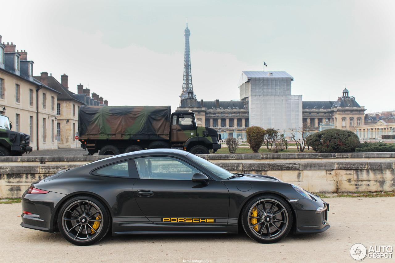Xuất hiện Porsche 911 R màu đen phong cách tại Paris 3