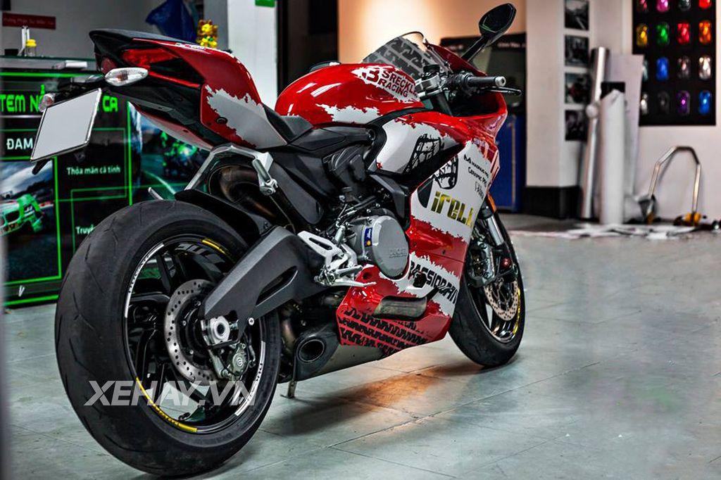 Ducati 959 Panigale độ cực chất với bộ tem đấu cùng loạt đồ chơi hiệu 8