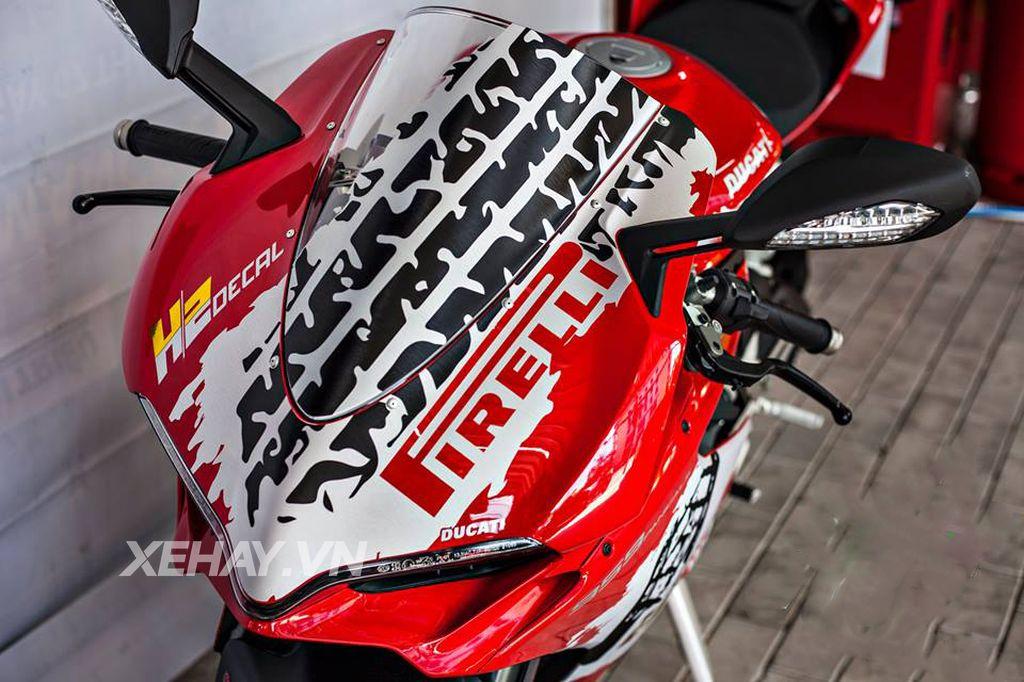 Ducati 959 Panigale độ cực chất với bộ tem đấu cùng loạt đồ chơi hiệu 2