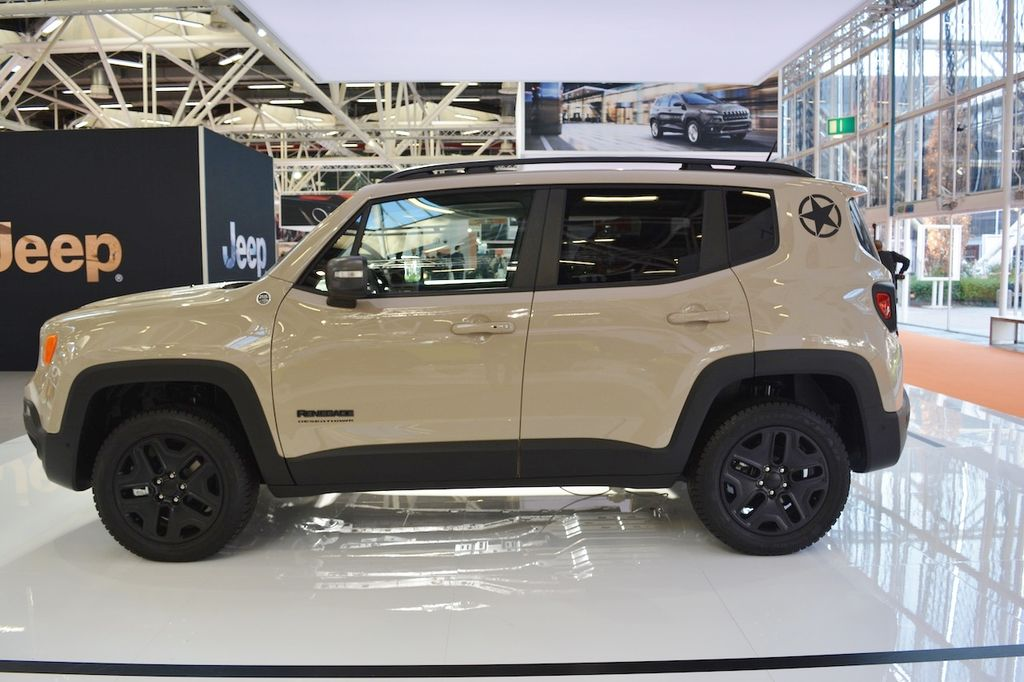 jeep renegade desert hawk v jeep grand cherokee 2017 ra m t t i tri n l m bologna. Black Bedroom Furniture Sets. Home Design Ideas