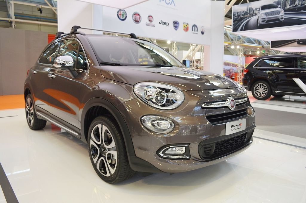 chi ti t fiat 500x fiat 500x mopar t i tri n l m bologna motor show. Black Bedroom Furniture Sets. Home Design Ideas