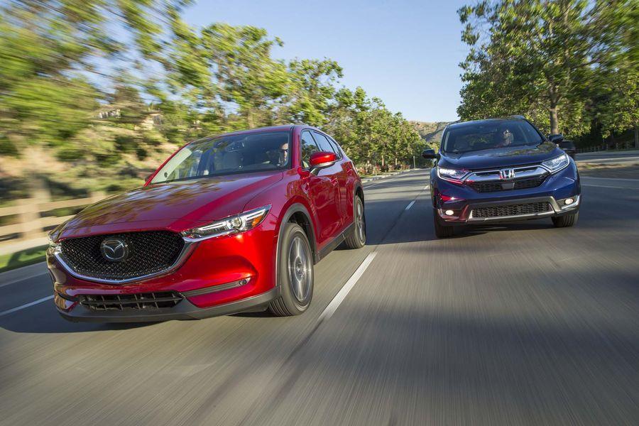 Honda CR-V 2018 và Mazda CX-5 2018,Honda CR-V 2018,MUA BÁN XE Honda CR-V 2018, ĐÁNH GIÁ XE Honda CR-V 2018, GIÁ XE Honda CR-V 2018, Mazda CX-5 2018, MUA BÁN XE Mazda CX-5 2018, GIÁ XE Mazda CX-5 2018,ĐÁNH GIÁ XE Mazda CX-5 2018