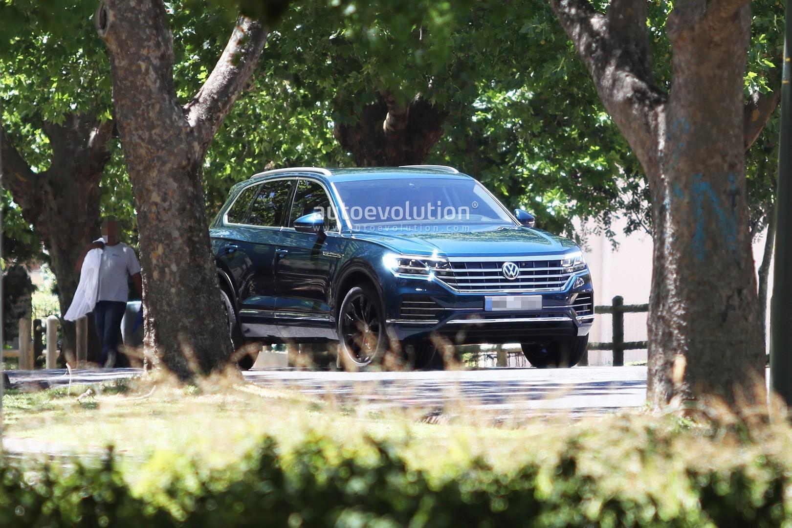 Volkswagen Touareg 2019, MUA BÁN XE Volkswagen Touareg 2019, ĐÁNH GIÁ XE Volkswagen Touareg 2019, GIÁ XE Volkswagen Touareg 2019, CHI TIẾT XE Volkswagen Touareg 2019, Volkswagen Touareg 2019 GIÁ BAO NHIÊU