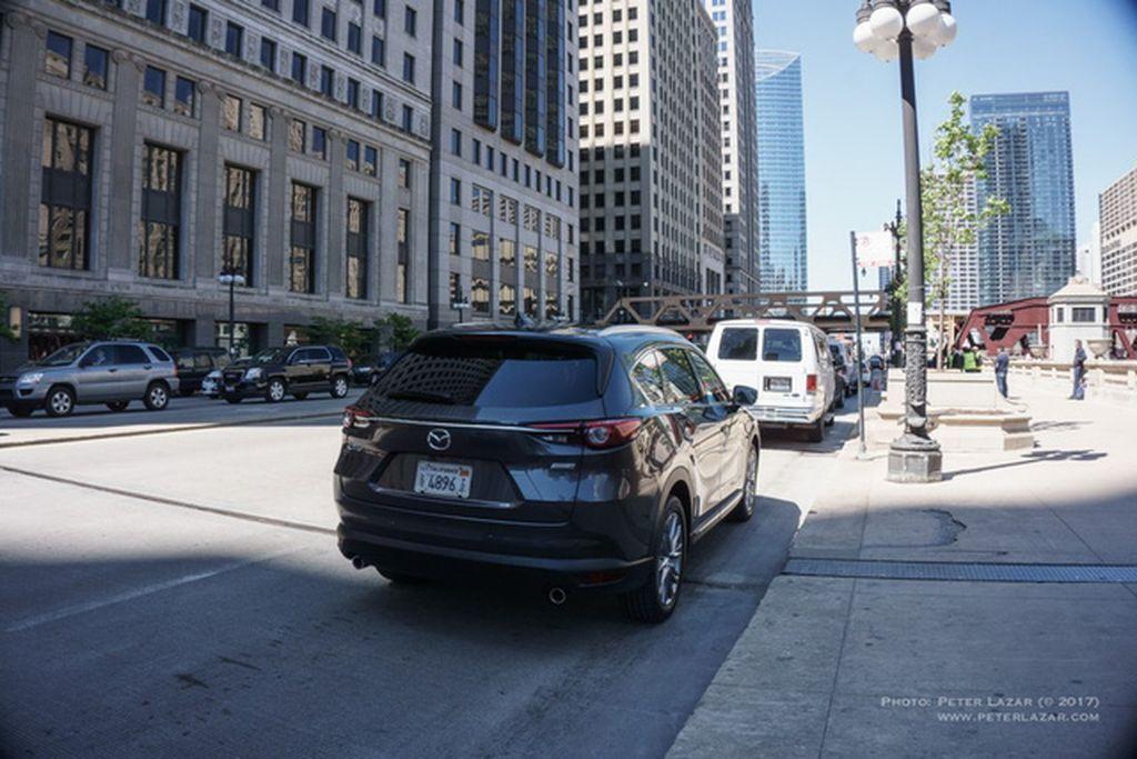 Mazda CX-8 2017 trên đường phố Mỹ