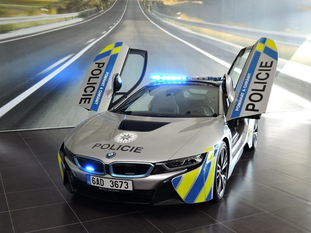 BMW i8 tiếp tục trở thành xe cảnh sát tại Cộng hòa Séc