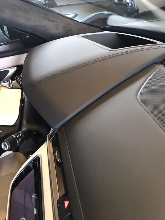 Hàng hót Range Rover Velar First Edition đầu tiên cập bến Việt Nam - ảnh 7