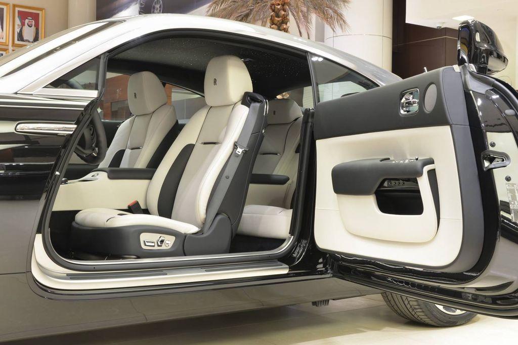 Siêu coupe Rolls-Royce Wraith cuốn hút không kém Phantom 2018 - ảnh 4