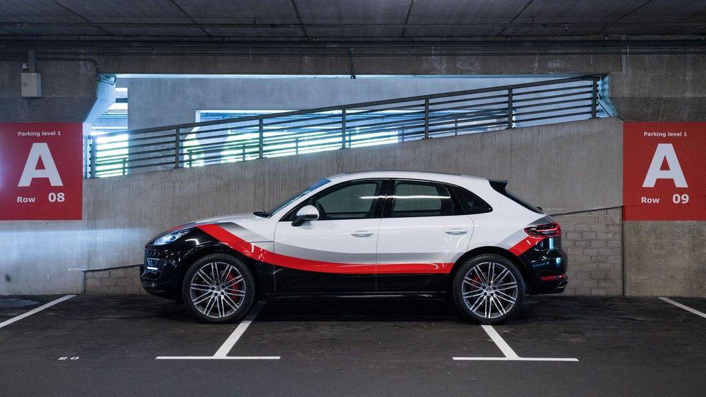 Chiêm ngưỡng Porsche Macan Turbo với đồ họa xe đua cực kỳ bắt mắt - ảnh 4