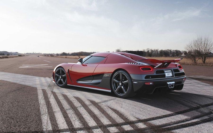 Koenigsegg Regera trang bị gói khí động học mới ra mắt tại Monterey