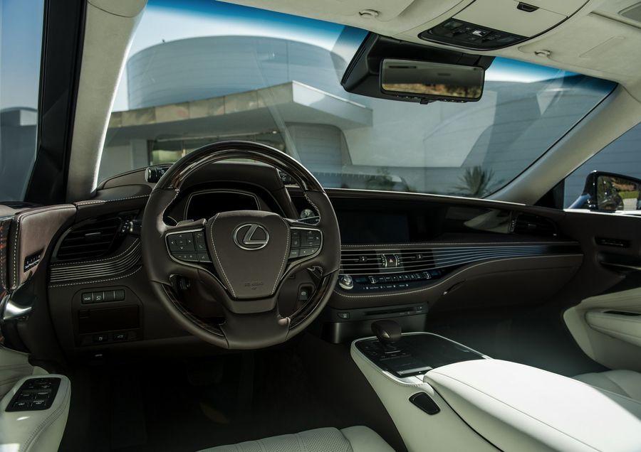 Lexus LS 2018 chốt giá chỉ từ 1,72 tỷ VNĐ, mềm hơn Mercedes-Benz S-Class đáng kể - ảnh 3