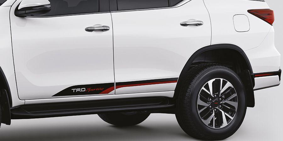 Toyota Fortuner TRD Sportivo 2017 chính thức trình làng Ấn Độ, với giá 1 tỷ VNĐ - ảnh 5