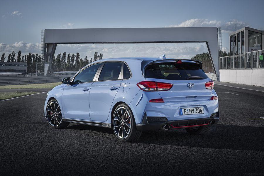 Hyundai i30 N mới có giá khởi điểm chỉ 768 triệu VNĐ, rẻ hơn đối thủ VW Golf GTI - ảnh 5