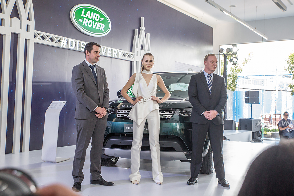 Jaguar Land Rover Việt Nam trình làng Discovery hoàn toàn mới, giá từ 4 tỷ đồng - ảnh 7