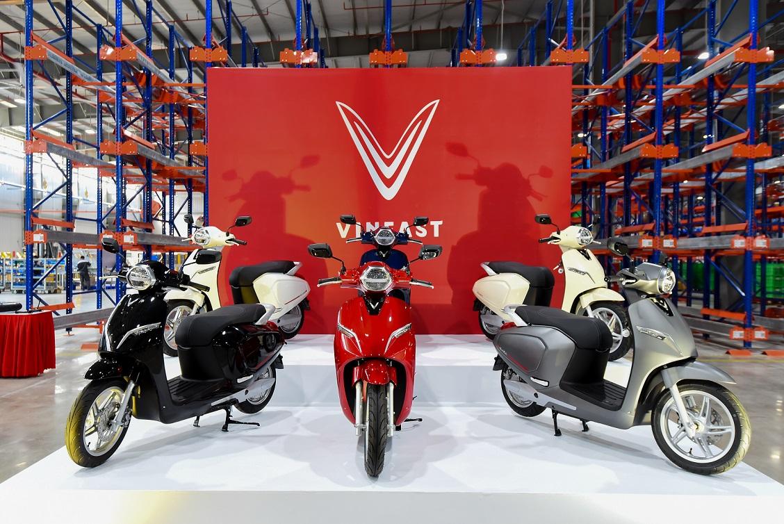 Xe máy điện VinFast Klara ồ ạt về đại lý và siêu thị trước ngày mở bán chính thức - Hình 2
