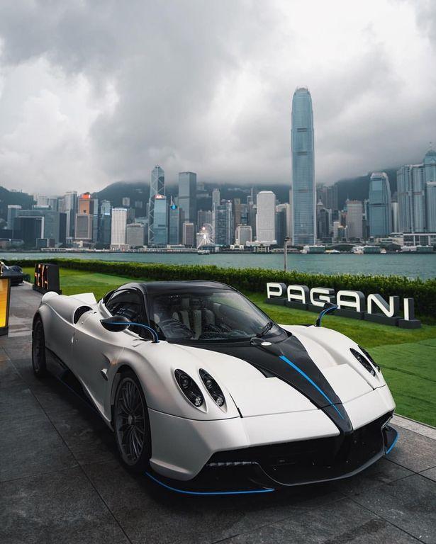 Hồng Kông đón Chiếc Pagani Huayra Mui Trần đầu Tiên Của Châu Á