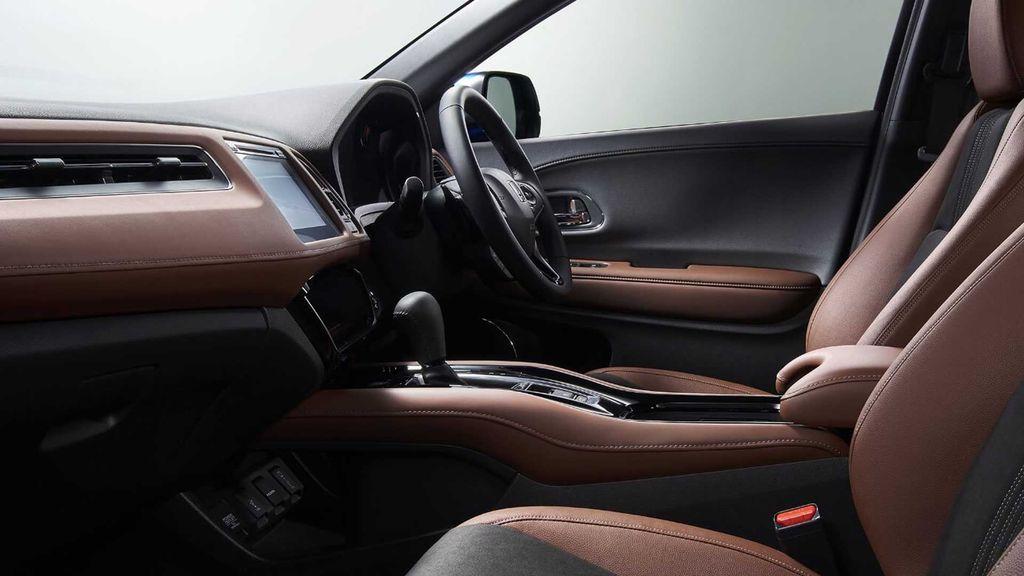 Nội thất cabin lái xe Honda HRV 2019