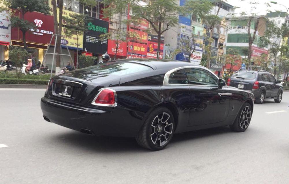 Cận cảnh Rolls-Royce Wraith Black Badge SIÊU XE Rolls-Royce Wraith Black Badge, GIÁ XE Rolls-Royce Wraith Black Badge, Rolls-Royce Wraith Black Badge GIÁ BAO NHIÊU,Rolls-Royce Wraith Black Badge VỀ VIỆT NAM