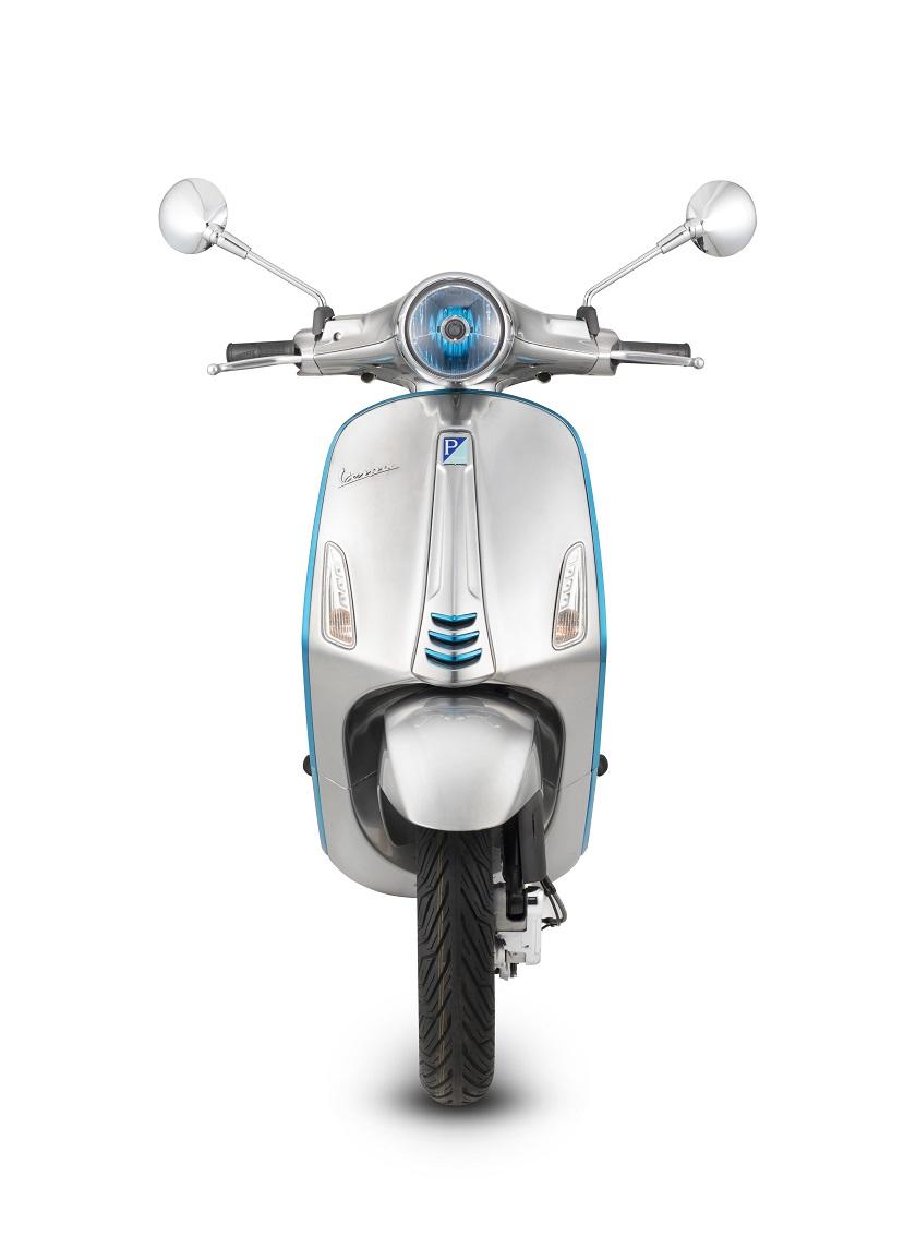 Piaggio sẽ bắt đầu sản xuất mẫu xe Vespa điện từ tháng 9/2018 - Hình 1