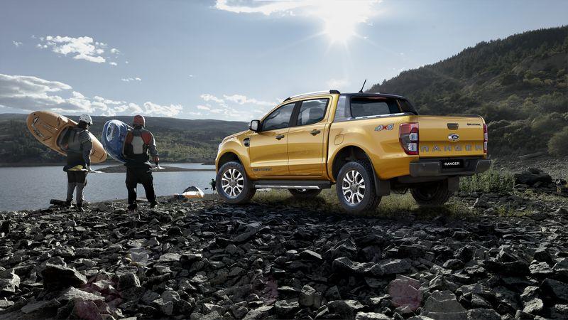 Mua xe Ford Ranger Wildtrack 2018 màu vàng
