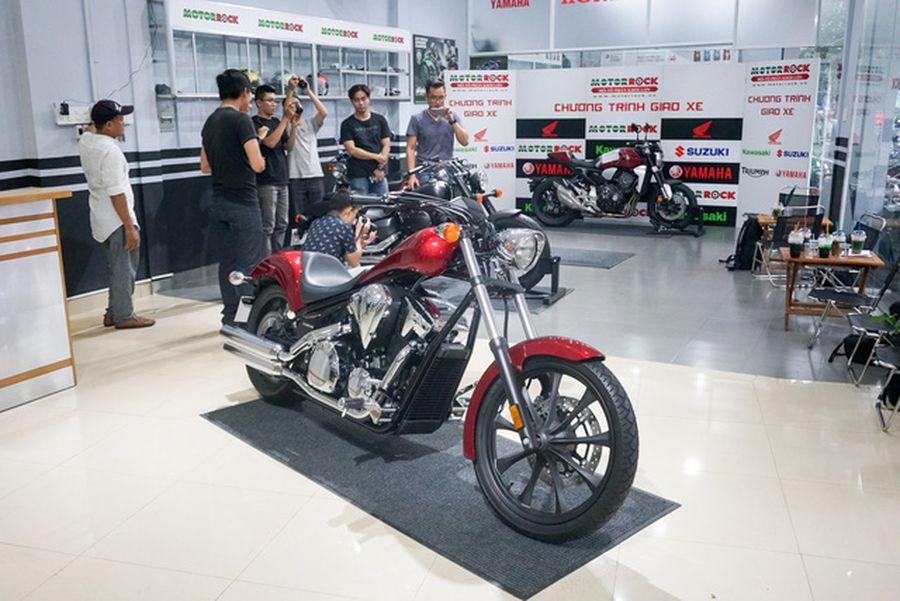 Dân chơi xe phân khối lớn tại Việt Nam có thêm hai lựa chọn mới từ Honda - Hình 1