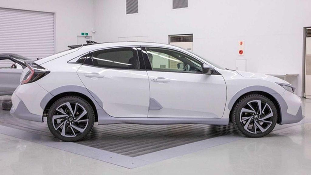 Thân xe Honda Civic 2019 màu trắng mới