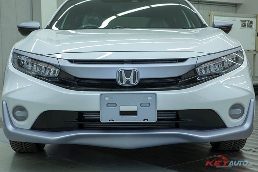 Đầu xe Honda Civic 2019 màu trắng mới