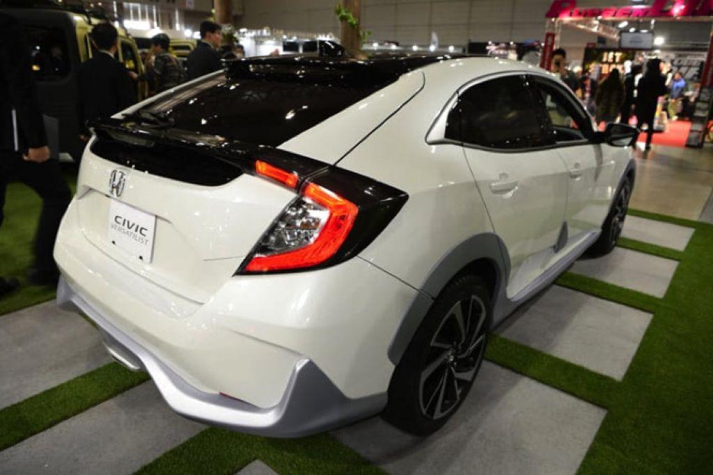 Đuôi xe Honda Civic 2019 màu trắng