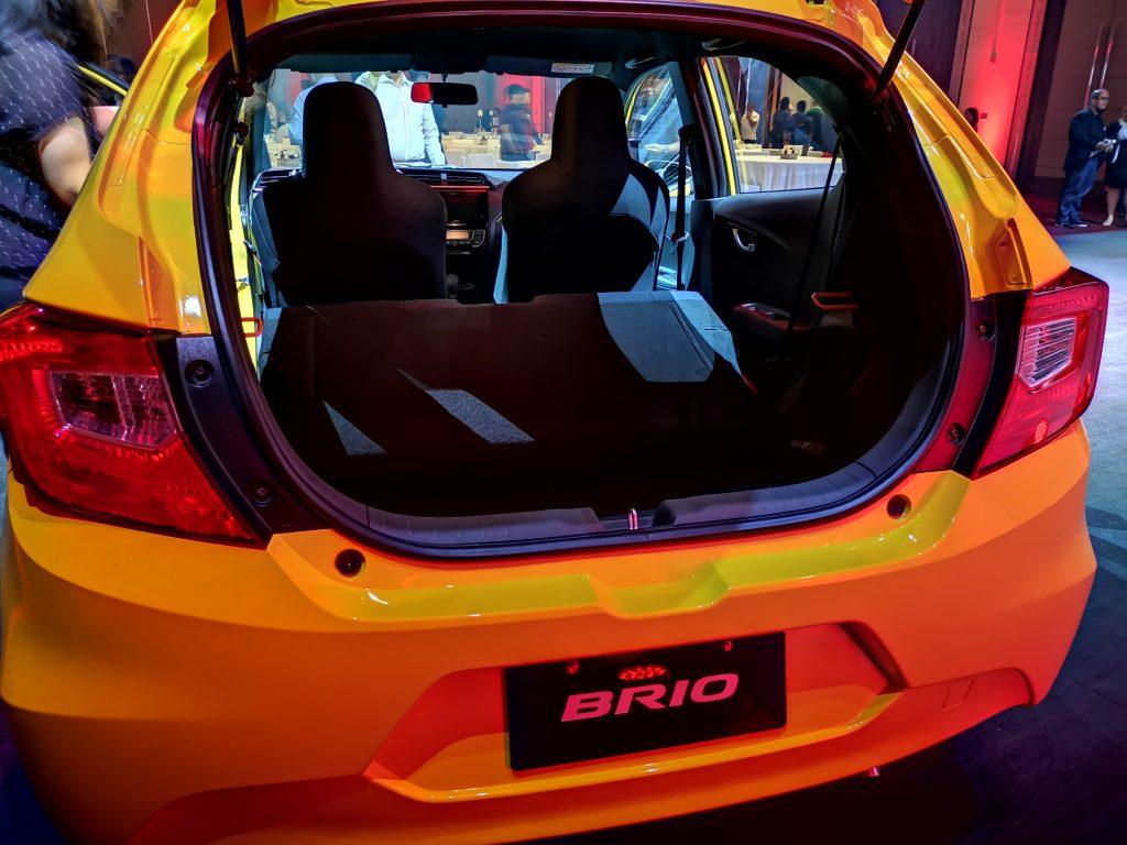 Cốp xe Honda BRio 2019 mới