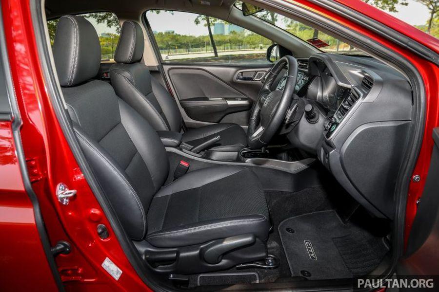 hàng ghế đầu xe Honda City màu đỏ, honda city màu đỏ, honda city màu đỏ mới
