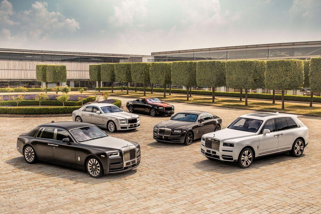 Rolls-Royce Motor Cars Hanoi chính thức công bố bảng giá mới, khởi ...