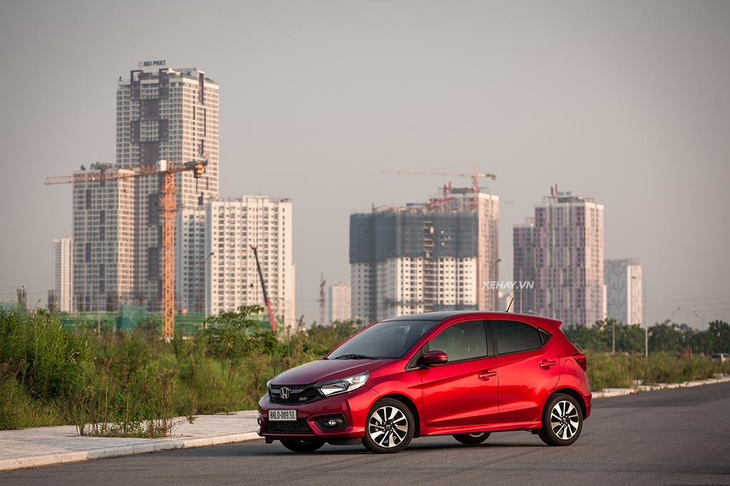Honda Brio  RS màu đỏ mới
