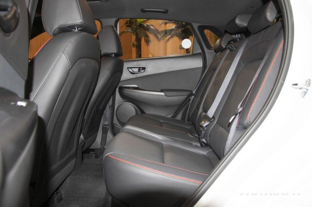 Xehay KONA 171020 15 Hyundai Kona 2021 nét đẹp riêng dành cho giới trẻ năng động