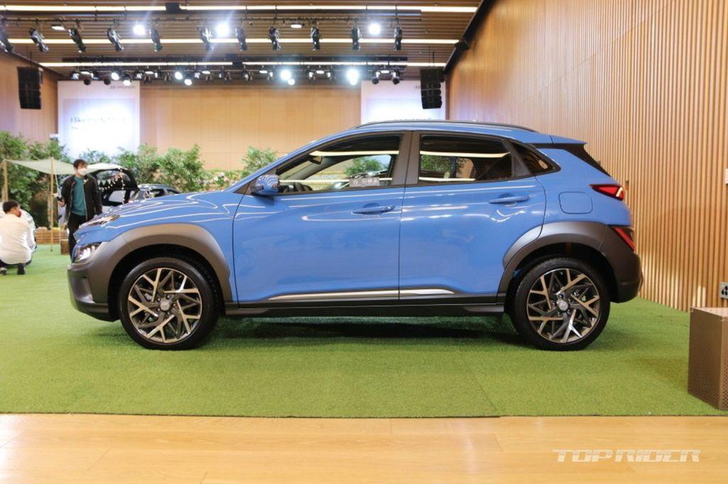 Xehay KONA 171020 17 Hyundai Kona 2021 nét đẹp riêng dành cho giới trẻ năng động