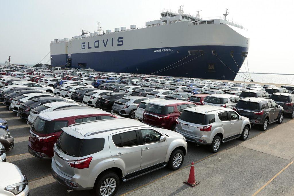 Ô tô nhập khẩu ồ ạt về Việt Nam trong quý 1/2021, tăng 41,9% so với cùng kỳ năm ngoái