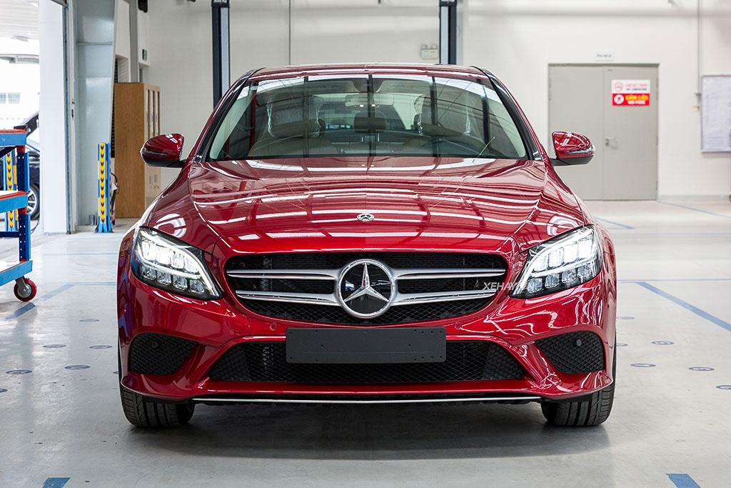 Cận cảnh Mercedes-Benz C180 - Mẫu xe rẻ nhất của hãng xe Đức - Xe Hơi AZ - Đồ chơi ô tô - Nội thất ô tô cao cấp!