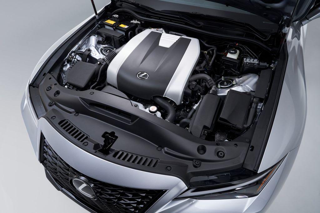 Xehay IS 210820 11 Lexus IS 2021 cạnh tranh cùng Mercedes-Benz C-Class và BMW 3-Series