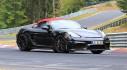 Lần đầu bắt gặp Porsche 718 Boxster Spyder không ngụy trang, lộ diện với mui mềm màu đỏ