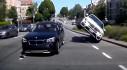 [VIDEO] BMW X4 húc mông BMW X1, suýt lật cả xe