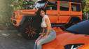 Kylie Jenner tạo dáng nóng bỏng bên xế cưng Mercedes-Benz G550 4×4² độ độc