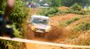 UAZ Pickup trổ tài vượt hố bùn lầy lội tại VOC 2017