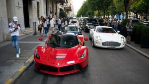 Bộ ba siêu xe hàng hiếm cùng dạo chơi trên đường phố Paris