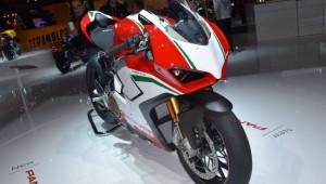 Ducati Panigale V4 - mẫu mô tô đẹp nhất EICMA 2017 chuẩn bị về Việt Nam